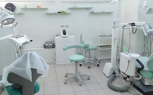 テスト歯科